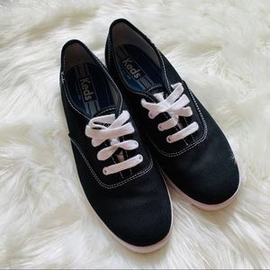 Keds Black tennis shoes sneakers size 7